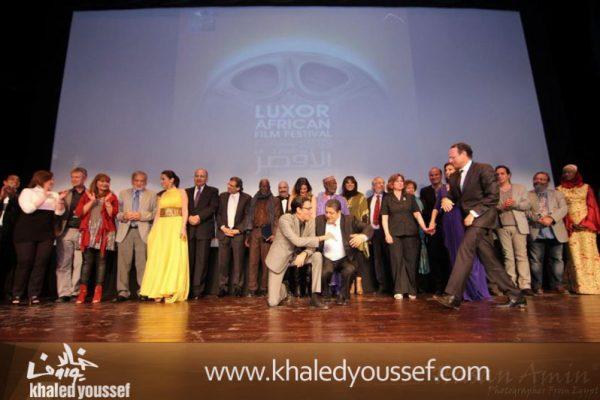 خالد-يوسف-وسيد-فؤاد-وفتحى-عبدالوهاب-ودره-وليلى-علوى-ويسرا-فى-افتتاح-مهرجان-الاقصر-2013-1